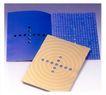 中外书籍装帧设计0167,中外书籍装帧设计,书籍装帧设计,十字圆孔 汉字 辐射圆环
