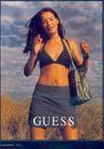 服装内衣广告创意0077,服装内衣广告创意,国际知名品牌广告创意,草地