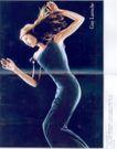 服装内衣广告创意0102,服装内衣广告创意,国际知名品牌广告创意,西方女性 长裙 身姿
