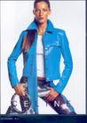 服装内衣广告创意0103,服装内衣广告创意,国际知名品牌广告创意,蓝色皮衣 模特