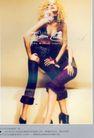 服装内衣广告创意0117,服装内衣广告创意,国际知名品牌广告创意,中腿裤 卷发