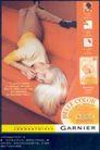 美容化妆品广告创意0099,美容化妆品广告创意,国际知名品牌广告创意,白色头发 沙发