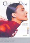 香水护肤霜广告创意0123,香水护肤霜广告创意,国际知名品牌广告创意,红丝巾