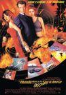 文化娱乐0163,文化娱乐,经典广告设计,火焰 两女一男 手枪