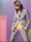 版式设计之彩色运用0005,版式设计之彩色运用,书籍装帧设计,低头 女士西装 品味 帅气 职业化 叉腿