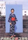 日本海报设计0034,日本海报设计,日本广告专集,和服 少女 房子