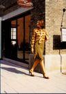 商业人相及服装0012,商业人相及服装,广东摄影年鉴2007,街角 高挑女士 脚步优雅