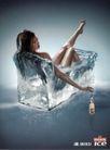 含酒精饮料0009,含酒精饮料,第十三届中国广告节获奖作品集,翘起 腿部 冰床