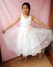 儿童0057,儿童,亲子教育,小公主 白纱裙 拉起裙摆
