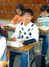 小学教育0038,小学教育,亲子教育,同桌 戴着眼镜 班长