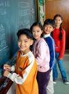 小学教育0054,小学教育,亲子教育,小学教育 四个同学 黑板前