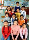 小学教育0055,小学教育,亲子教育,教室里 师生情 一起拍照