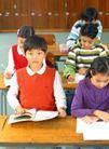 小学教育0076,小学教育,亲子教育,聚精 会神 听课