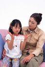 温馨家庭0046,温馨家庭,亲子教育,玩绳子