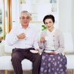 温馨家庭0078,温馨家庭,亲子教育,端茶 喝水 姿态