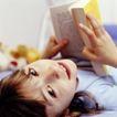 童趣0027,童趣,亲子教育,书本 躺在地上 看书女孩