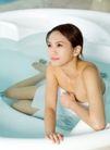 女性休闲0038,女性休闲,休闲,趴卧澡盆