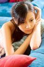 女性休闲0055,女性休闲,休闲,沙发 深思 现代女性