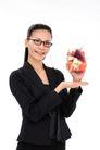 女性上班族0020,女性上班族,商业,手拿 礼盒 展示