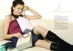 时装购物0080,时装购物,版式设计,米色沙发 长筒靴 外国女郎