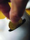 投资理财0057,投资理财,金融,硬币 手 投币