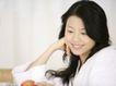 女性居家休闲0045,女性居家休闲,生活方式,笑笑 女人 吃水果