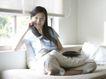 女性居家休闲0060,女性居家休闲,生活方式,打电话 闲聊 靠窗
