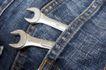 牛仔服特写0120,牛仔服特写,静物,扳手 工具 随身携带