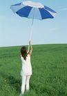 户外休闲0177,户外休闲,生活方式,举伞 高举 蓝色