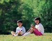 儿童宠物0055,儿童宠物,儿童,草地 放假了 和动物玩耍