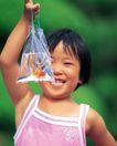 儿童宠物0099,儿童宠物,儿童,纯真笑脸 快乐童年 水袋子
