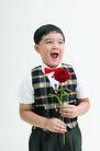 儿童广告0055,儿童广告,儿童,俏皮儿童 马甲 手拿玫瑰花