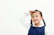 儿童广告0092,儿童广告,儿童,儿童广告 手放额头 望着远方