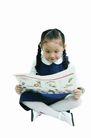 儿童广告去背0086,儿童广告去背,儿童,看报纸