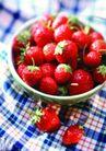 美味佳肴0011,美味佳肴,生活百科,格子桌布 鲜草莓