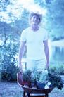 花园生活0043,花园生活,生活百科,手推车 大帽子