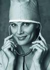 医学人员0010,医学人员,医学医药,医生黑白照 拿着听诊器