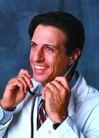 医学人员0017,医学人员,医学医药,中年医生 戴起听诊器