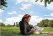 个性一族0182,个性一族,广告创意,青草地 户外休闲 看书