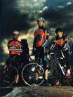 体育运动0120,体育运动,广告创意,一群车手 戴着头盔