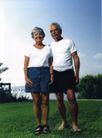 情侣摄影0036,情侣摄影,广告创意,老人 草地 伴侣