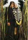 情侣摄影0039,情侣摄影,广告创意,草丛 西方人 合影