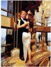情侣摄影0070,情侣摄影,广告创意,礼服 共舞 水晶灯