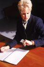亚洲上班族0037,亚洲上班族,商业,看表 桌面 上班族
