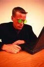 商业激情0032,商业激情,商业,绿色眼镜 笔记本 上网