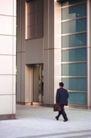 欧亚商业0014,欧亚商业,商业,步入大楼 去开会
