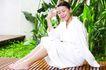 瑜伽美女0099,瑜伽美女,美容,坐地上 绿色植物 装饰物