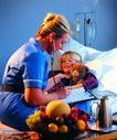 医务特写0035,医务特写,医学医药,病房 孩子 水果