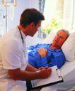 医务特写0052,医务特写,医学医药,老病人 短袖制服