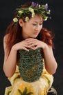 彩色季节0032,彩色季节,底纹背景,坐着 花季 秋菊